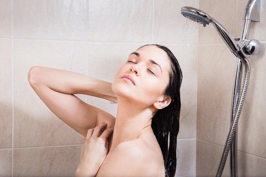 Ученые рассказали, когда следует принимать душ