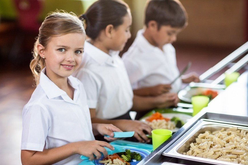 В школах Москвы может появиться религиозное питание