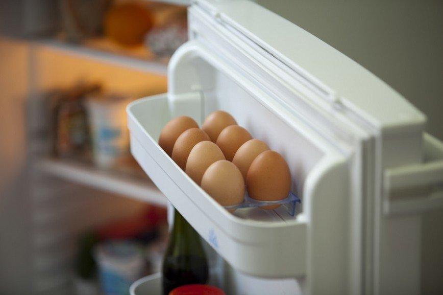 Дверца холодильника - худшее место для хранения яиц