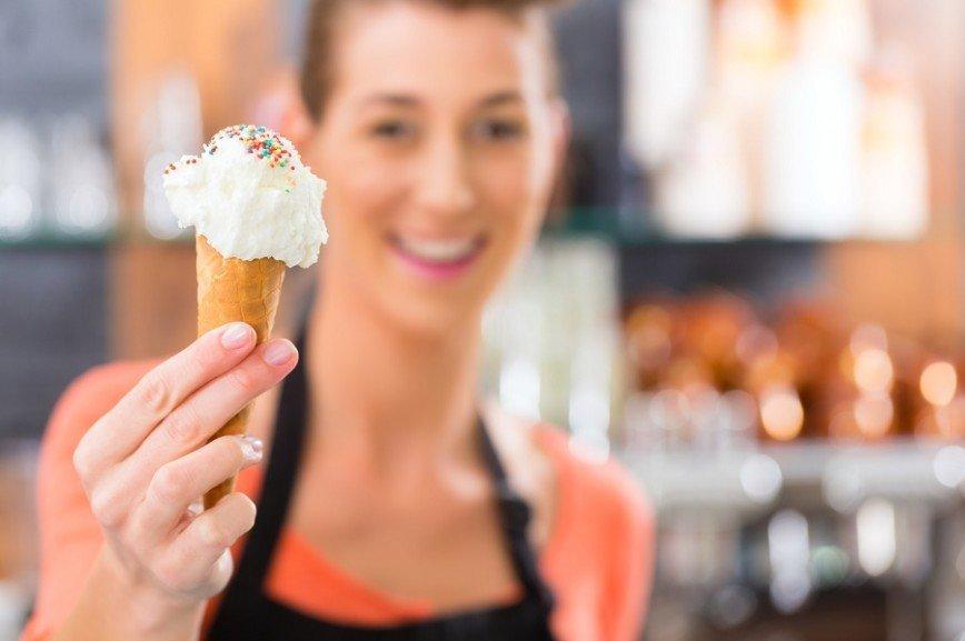 Зимой продавцы мороженого будут торговать чаем и выпечкой