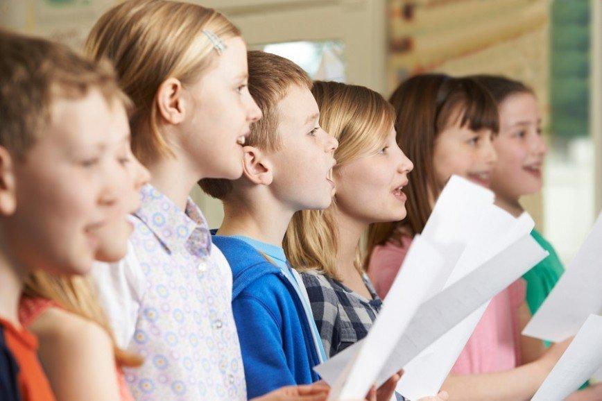 В российских школах будут петь хором