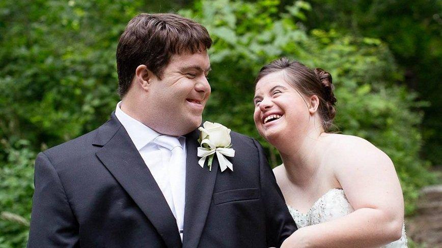 Отец написал трогательное письмо дочери с синдромом Дауна в день ее свадьбы
