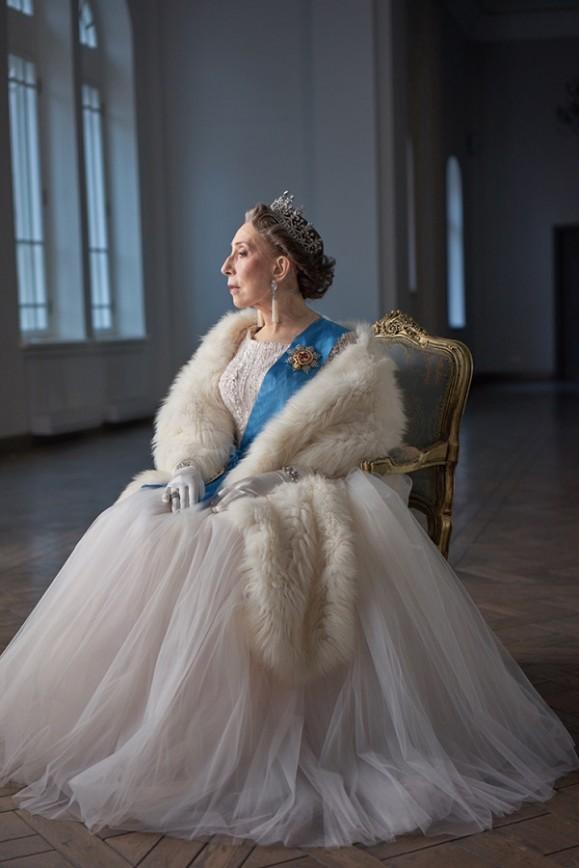 Инна Чурикова стала английской королевой