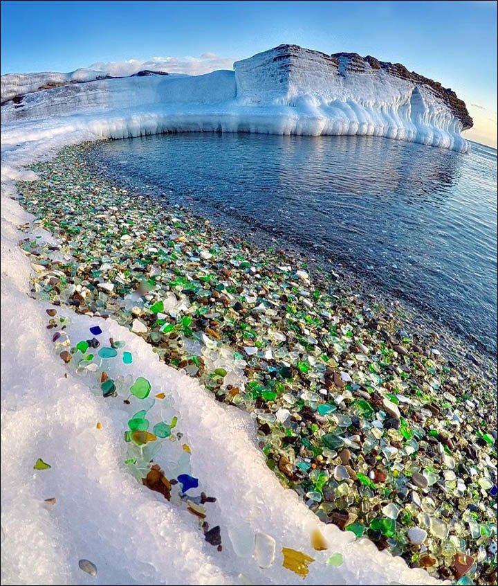Стеклянный пляж во Владивостоке привел в восторг британские СМИ