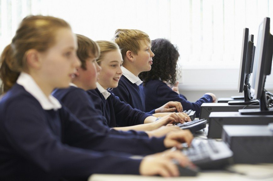 Москвичи выбирают направления профессионального обучения школьников