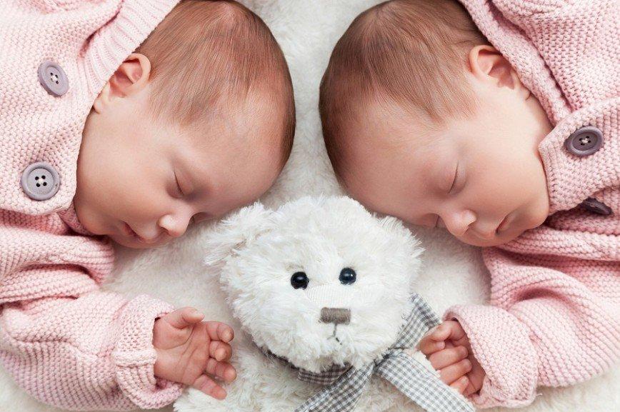 Роды на 37 неделе наиболее благоприятны для близнецов