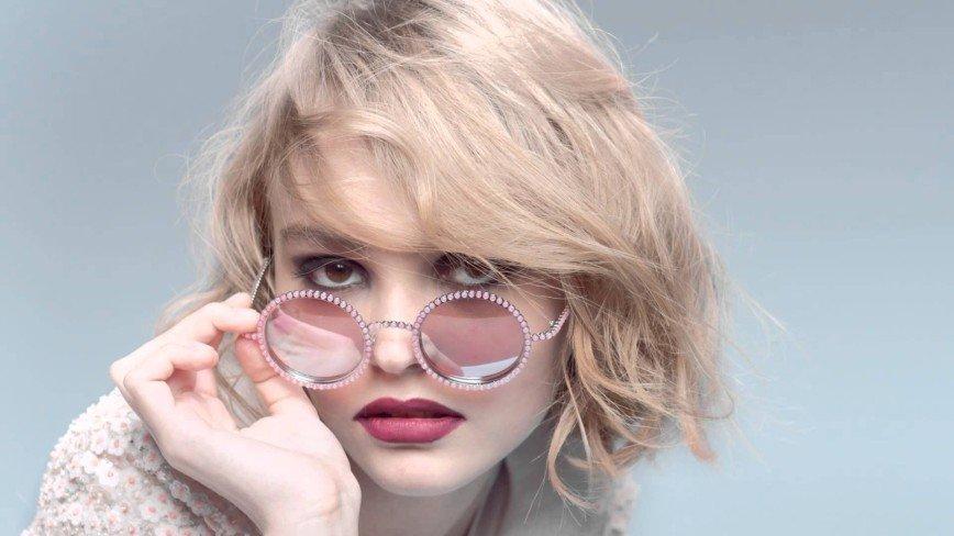 Лили-Роуз Депп стала звездой обложки модного журнала