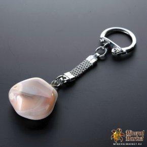 Новый брелок Агатовый. Камень крупный с огранкой, в виде сердечка = 3см. Цена -250 руб.