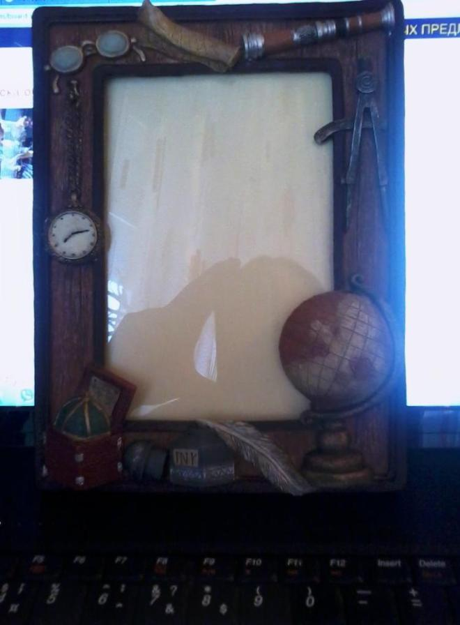 Рамочка для фото 17*11. Новая.Можно на подарок,если использовать другую коробочку или подарочный пакет