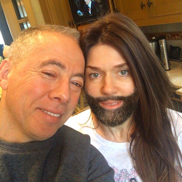 """""""У вас бородатая жена?"""": Аркадий Новиков превратил супругу в Кончиту Вурст"""