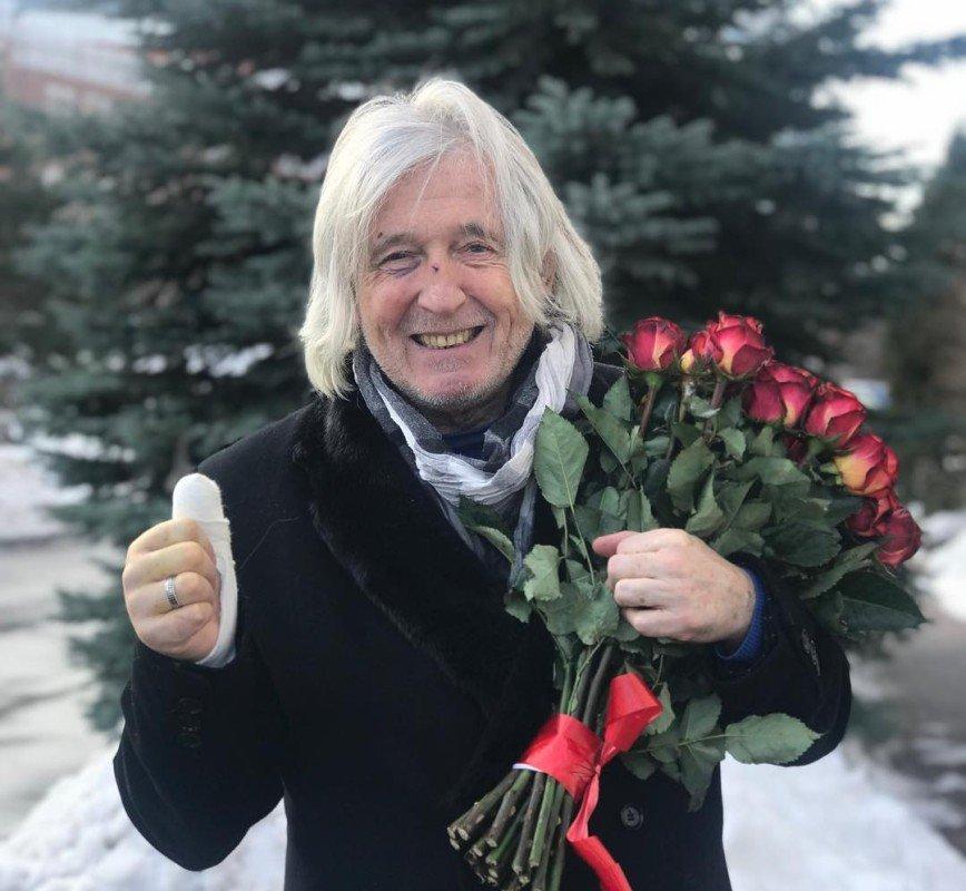 Перенесший инсульт Вячеслав Малежик выступил на концерте звезд 90-х