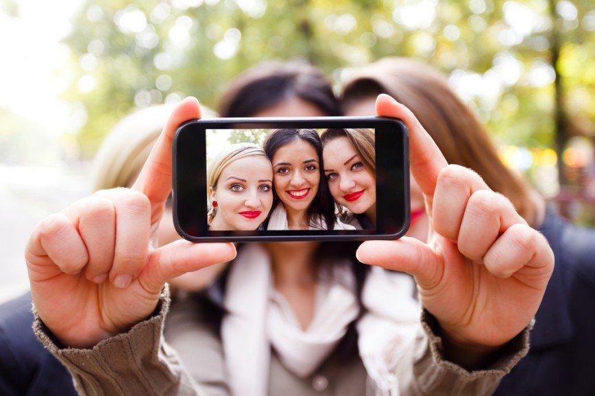 Звезда Инстаграма: секреты макияжа для идеального селфи