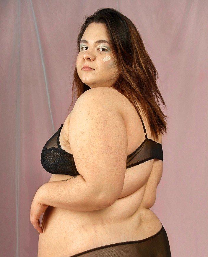 «Никто не имеет права гнобить вас за ваш вес!»: кому и зачем нужен бодипозитив