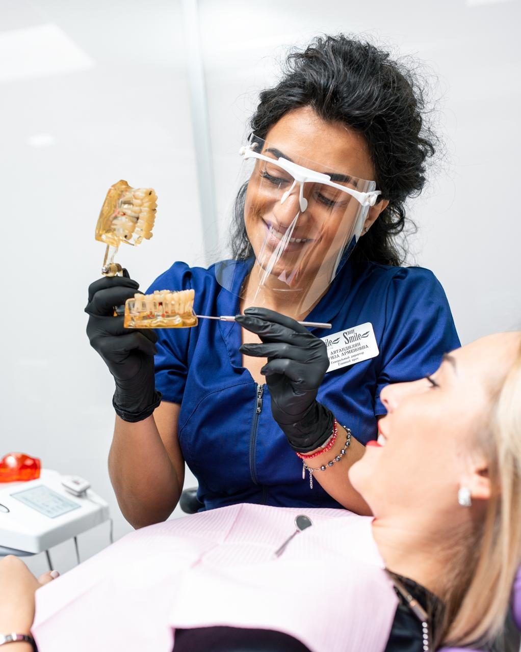 Отбеливание зубов — это вредно? Известный стоматолог рассказала всю правду о самой популярной процедуре