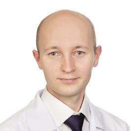 Компьютерная шея — врач объяснил, что происходит с организмом, если постоянно сидеть за монитором