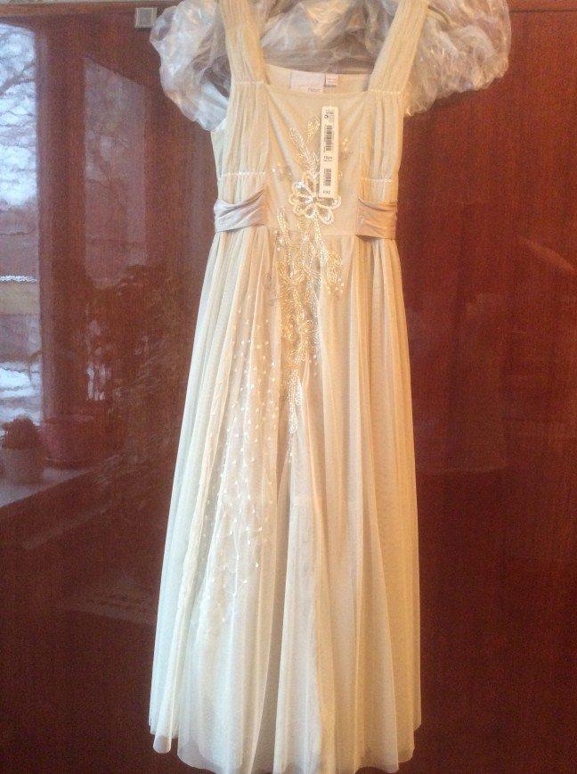 Новое  Некст платье 10 лет, нежное и очень красивое 4000р Нежная тонкая сетка вышита бисером и пайотками, сбоку молния, шелковый бант