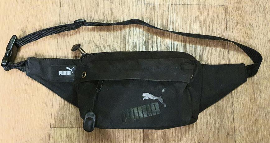 Поясная сумка PUMA оригинал,покупалась в фирменном магазине б\у АКТИВНО, но всё функционирует,два отделения, без дыр и пятен