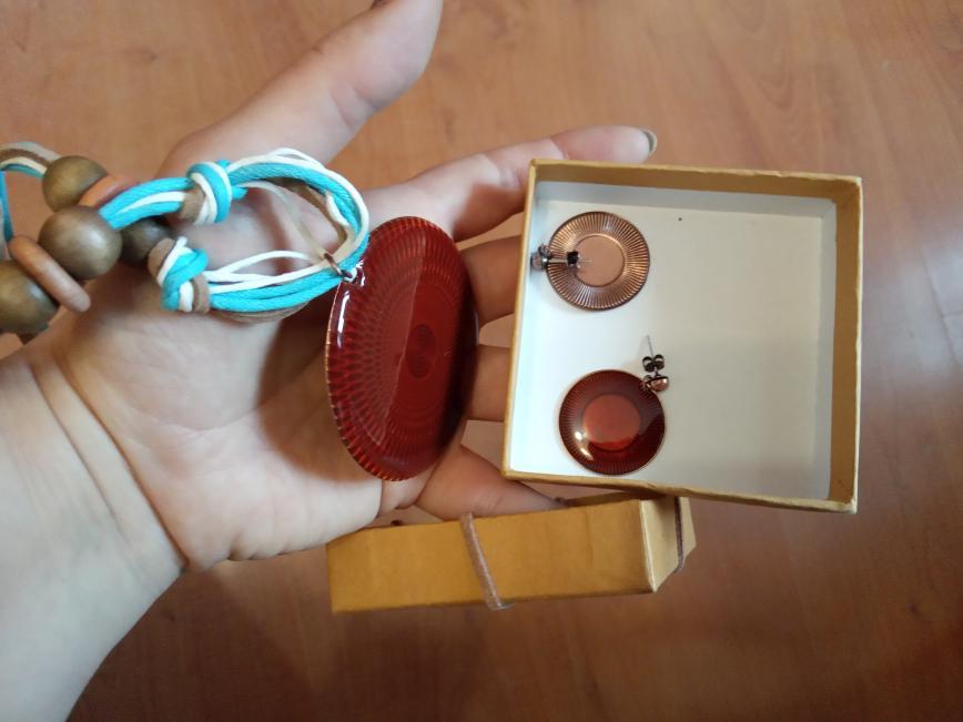 Новый набор в коробочке, колье и сережки