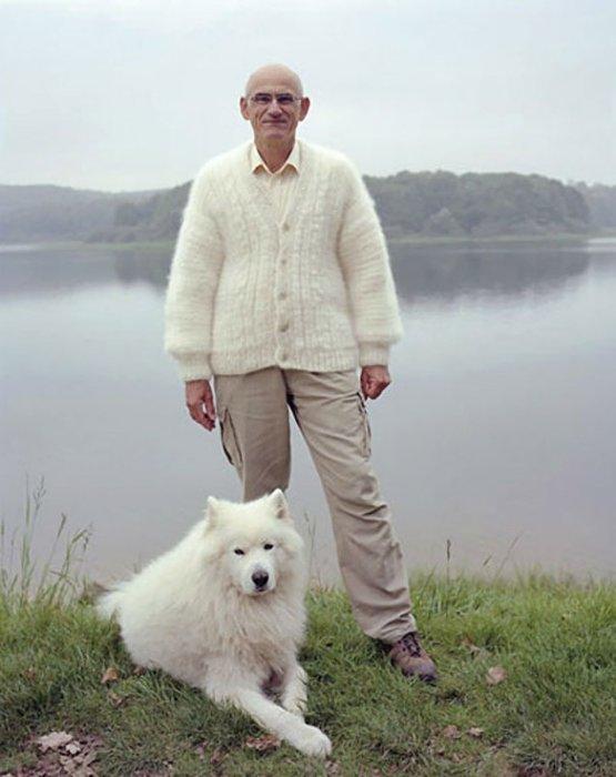 Одежда из шерсти питомцев: Для особо интересующихся даже созданы пошаговые пособия по вязке свитеров из шерсти своих собак.