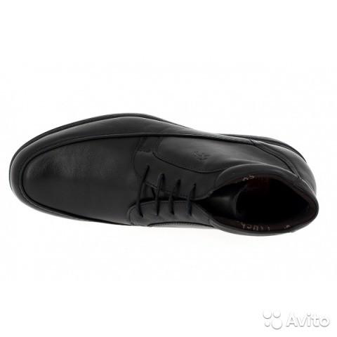 Размер: 44     Линия Luca Цвет черный Мягкие и удобные мужские ботинки из телячьей кожи высшего качества, прошитые вручную, мягкие и эластичные Съемная стелька для улучшения удобства ношения Долговечная подошва из натурального каучука Использованы технологии AIR и SHOCK ABSORBER Сделаны в Испании  Модель 8500  Поставка от 04.07.15  Цена 5200 Без торга