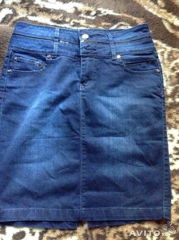 Джинсовая юбка 46-48 Юбка джинсовая, немного утепленная, плотная джинса темно-синего цвета, размер указан 32, идет на 46-48 размер. Бу 1 раз на фото немного осветила вспышка . замеры: ПОТ 41 см, ПОБ 49 см, длина 53 см  Цена 600 руб