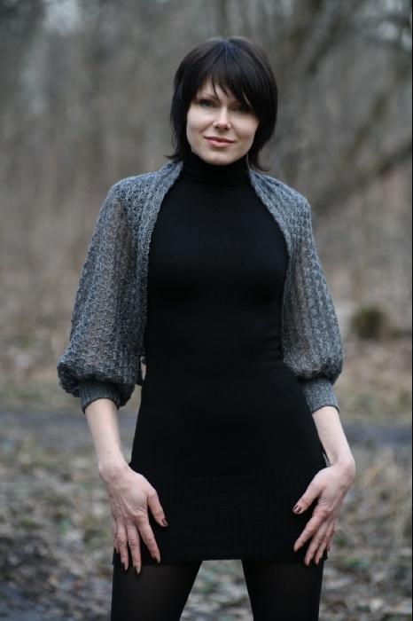 Платье черное с эластаном. Машинная вязка 5 класс. Накидка п/ш с люрексом. Ажур. 5 класс.