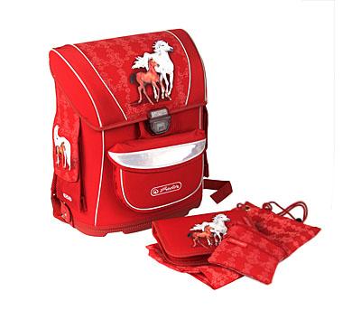 Все, выбрали рюкзак: Ранец Herlitz Midi Horses Barogue с наполнением  http://www.gekonbag.ru/index.php?productID=2349   после 1,5 лет использования я его заменила на самый простецкий и невесмомый. вся семья облегченно выдохнула. этот вспоминаем, как страшный сон - тяжелый, пластиковый короб, неудобно в носке, не все влезало в него во втором классе (в первом без английской папке еще умещали). в общем не рекомендую.