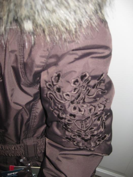 вышивка на подростковой куртке.  Куртки девочки МЕМЕБРАНА - плечо/рукав/спинка/дл.изделия по спинке : 8 – 9/45/до пояса33/все изделие по спинке 55