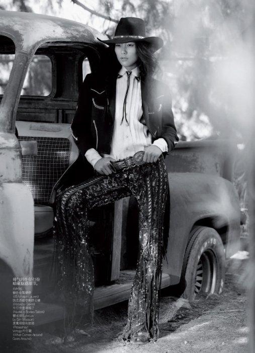 """Китай на подиуме: Фотосессия для Vogue China.  """"Я была самой высокой девочкой в школе и постоянно горбилась, чтобы казаться ниже"""". Мама не"""