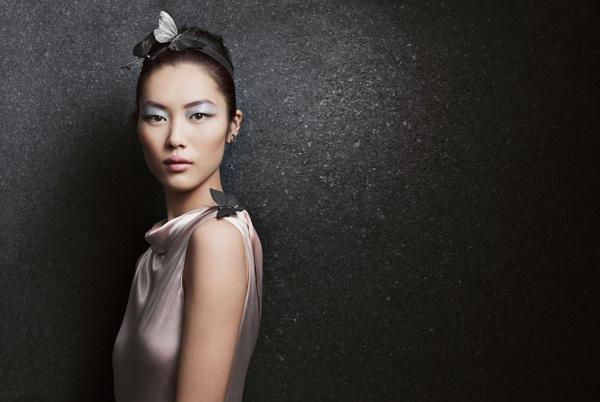 Китай на подиуме: Она – лицо косметического гиганта Estée Lauder.