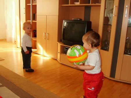 всё у тех же друзей, с малышом Фабианом ( он нас старше на 1,5 месяца)