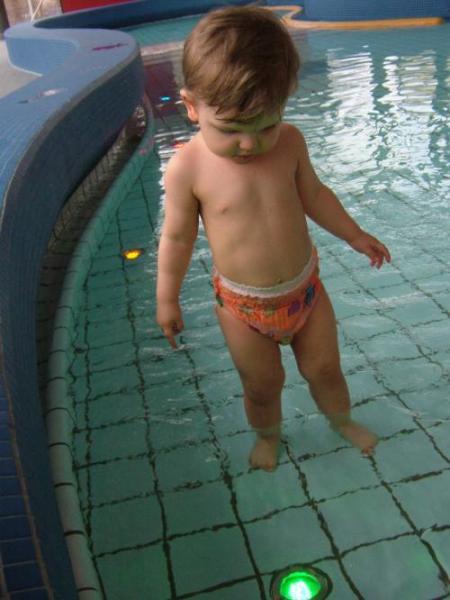 eто мы начали в общественный бассейн ходить