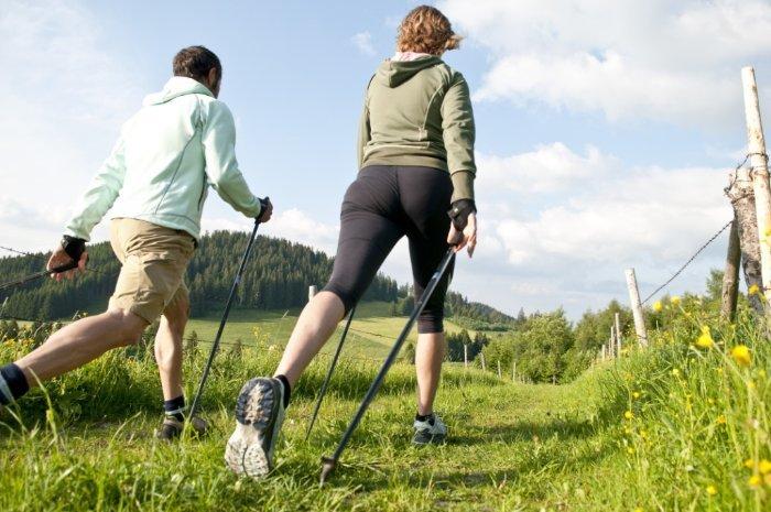 Особенности скандинавской ходьбы