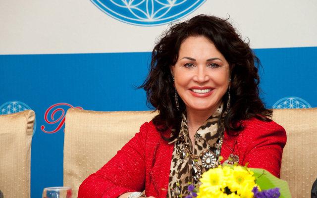 Звезды в Госдуме: Надежда Бабкина пришла на смену Кабаевой