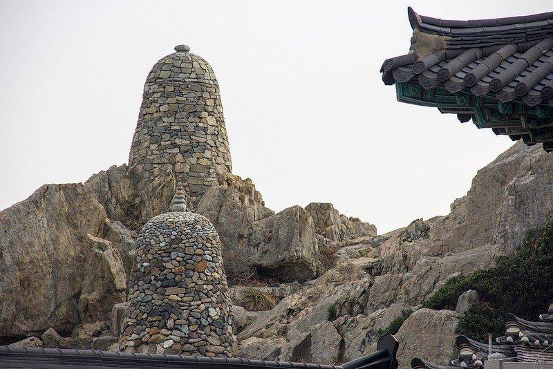 Автор: Розабельверде, Фотозал: Туристические зарисовки, Ступы сложены из камня.