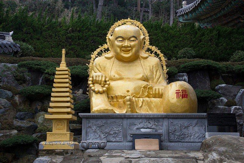 Автор: Розабельверде, Фотозал: Туристические зарисовки, Большой Будда в храме Хэдон Ёнгунса.
