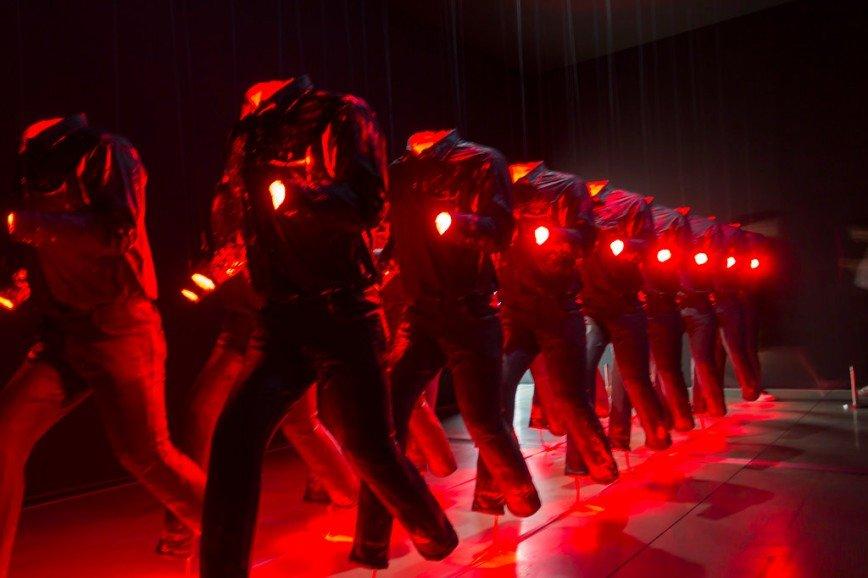 """Автор: Розабельверде, Фотозал: Туристические зарисовки, Экспериментальная инсталляция с аудио под названием """"Голос космоса"""" корейского абстракциониста Пак Со Бо."""