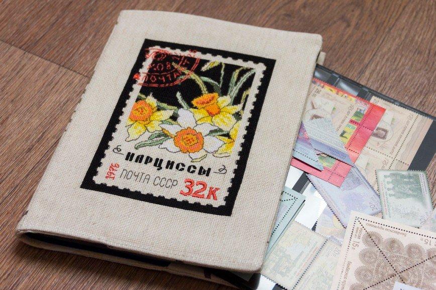 """Автор: Розабельверде, Фотозал: Мое хобби, Обложка для папки, в которой я храню марки. Вышито по набору от фирмы """"Рукодельные забавы""""."""