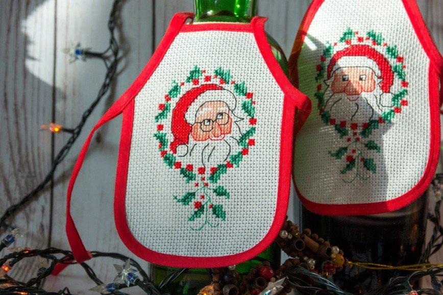Автор: Розабельверде, Фотозал: Мое хобби, Father Christmas Portrait. Фартучки на бутылки из набора Permin of Copenhagen.
