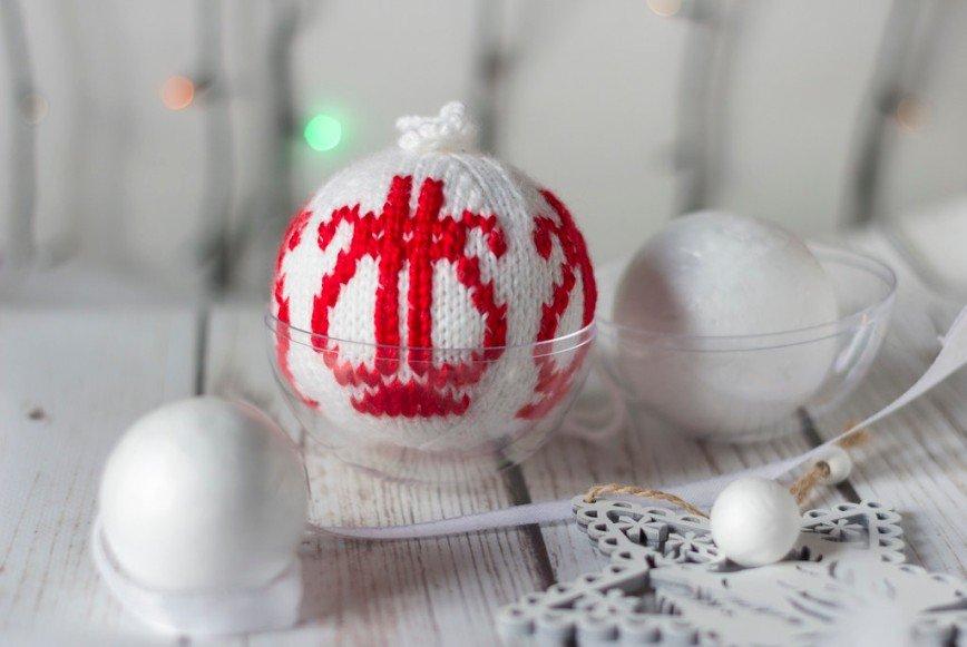 Автор: Розабельверде, Фотозал: Мое хобби, Лиры вышиты на связанном шаре.
