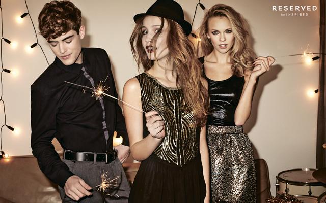 Образы для новогодней вечеринки от Reserved: [b]Для прекрасного пола[/b]  Выбрать особенный наряд от RESERVED не так уж просто – новогодняя коллекция популярного бренда полна мерцающих
