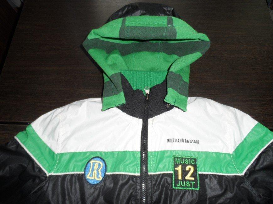 Двухсторонняя куртка на рост 140-146 длина по спинке 50 см. рукав 50 см. цена 1000=