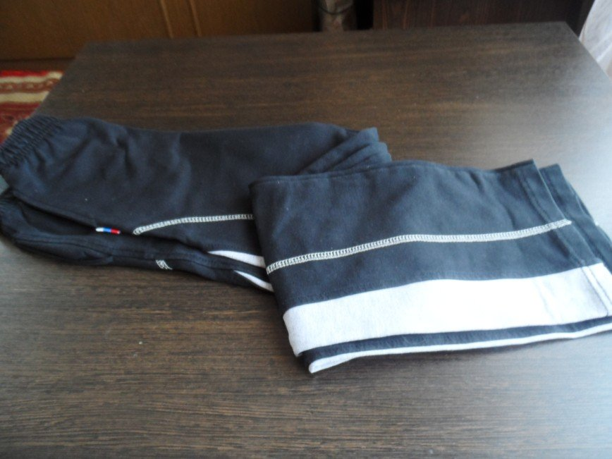 спортивные брюки на рост 134+ по 300=