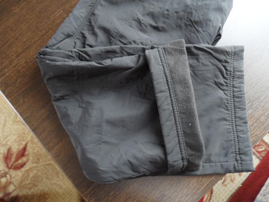 Штаны зимние утепленные размер 44 длина 92 см. пояс 36 см. ш.шов 68 см. цена 1000=