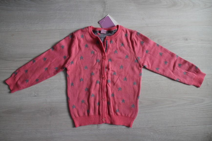 Кардиган (кофта на пуговках) Dopo Dopo mini, на 1,5-2г (92см), очень красивый – снаружи розовый с серыми звездами, внутри наоборот, розовые перламутровые пуговицы, сам цвет очень красивый, небанальный, абс.новый, с этикеткой. 500р