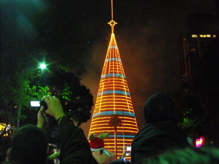 Самая высокая новогодняя ёлка в мире