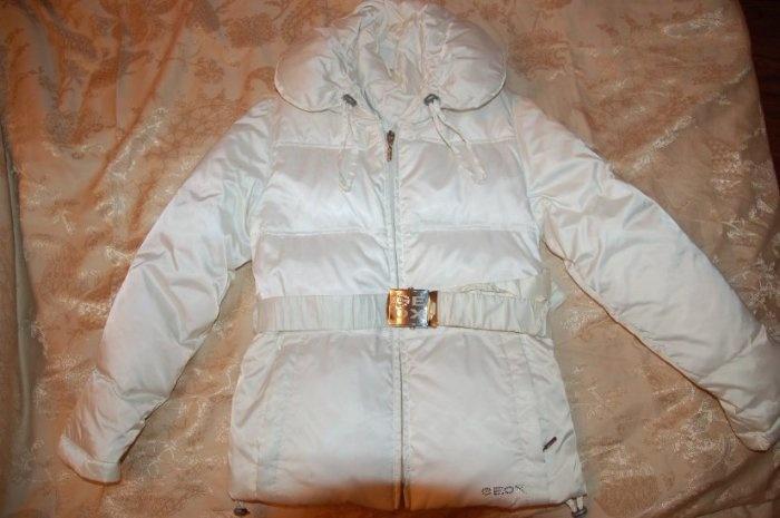 Куртка-пуховик Геокс р 8 лет или 128-134. Белый, в нормальном состоянии. Цена 2000р.