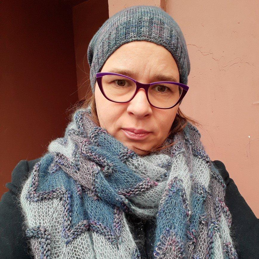 Автор: TaNikita, Фотозал: Мое хобби, Шапка и шарф связала из ниток ручного окрашивания и кидмохера с шелком.
