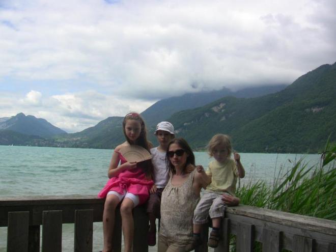 На озеро Анси во Франции