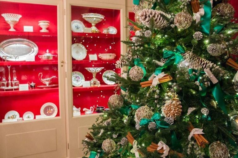 Белый Дом украсили к праздникам